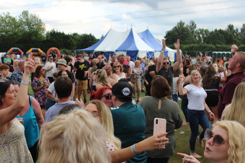 askern music fest 2020 - crowd from last year